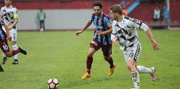 Hakemler Trabzon'a kar�� kat�!
