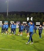 Futbolculara baklava ikram ettiler